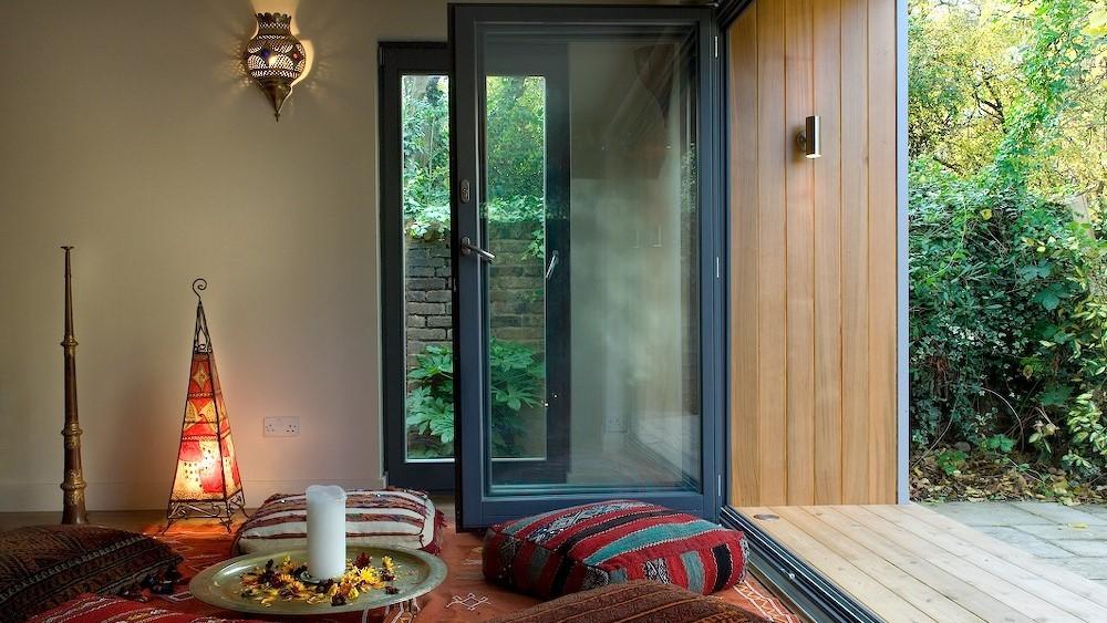 Cuberno garden room with bifolding doors