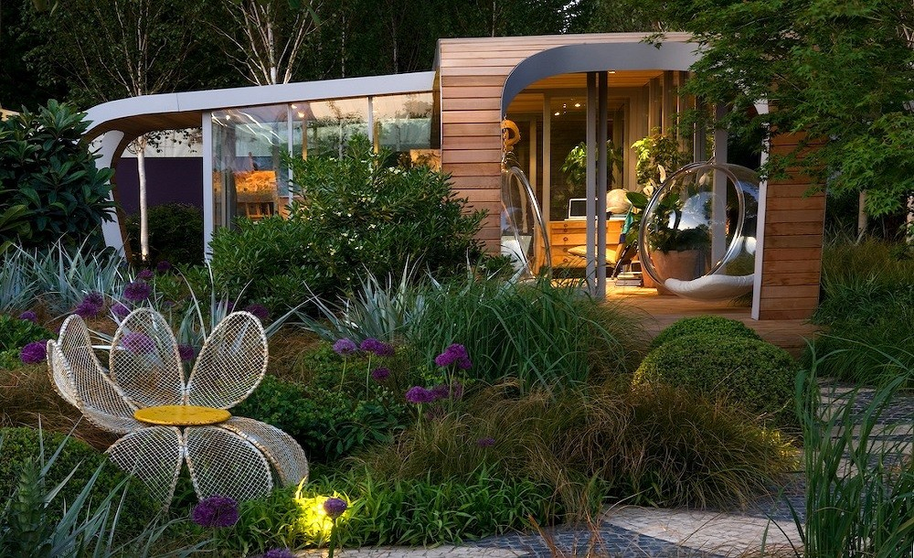 Futuristic design for a garden room in Chelsea, London