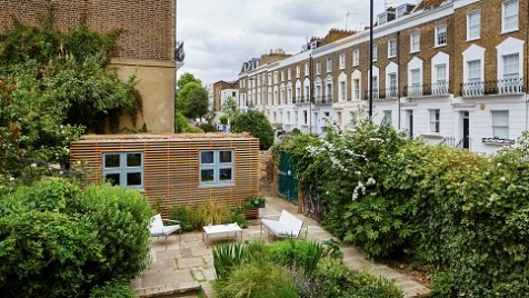 Garden room that provides extra self-contained living space in a Camden urban garden