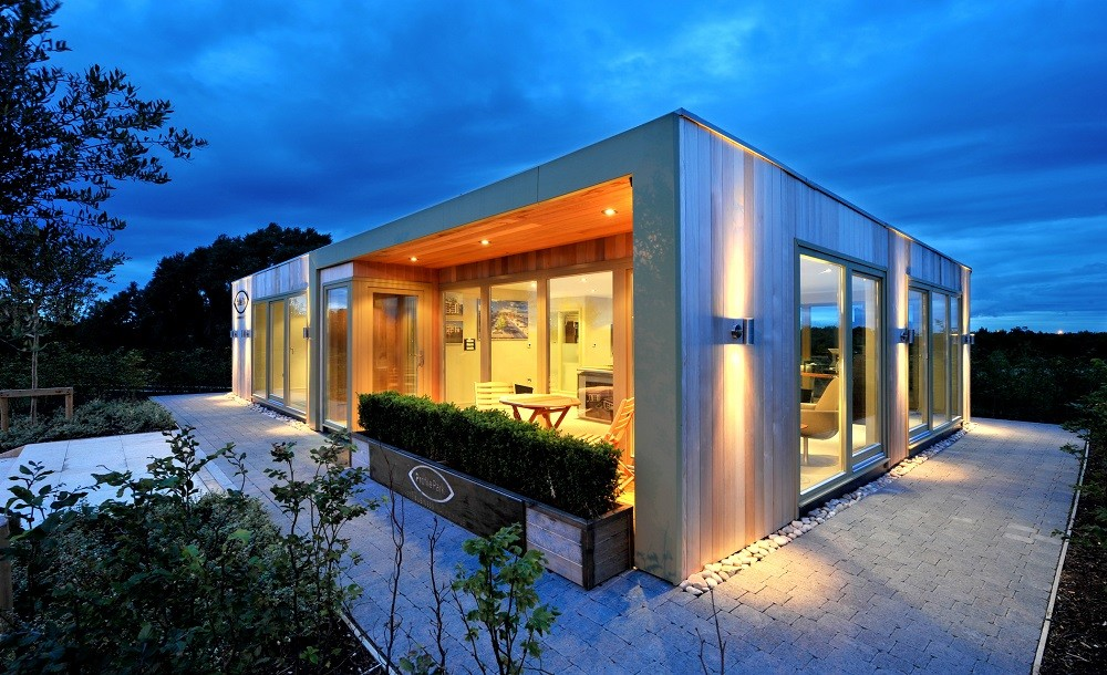 Modern design for a commercial building by Rooms Outdoor