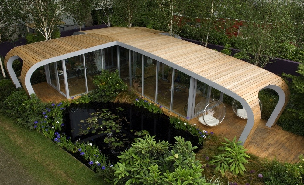 Curved futuristic garden studio for the Chelsea flower show