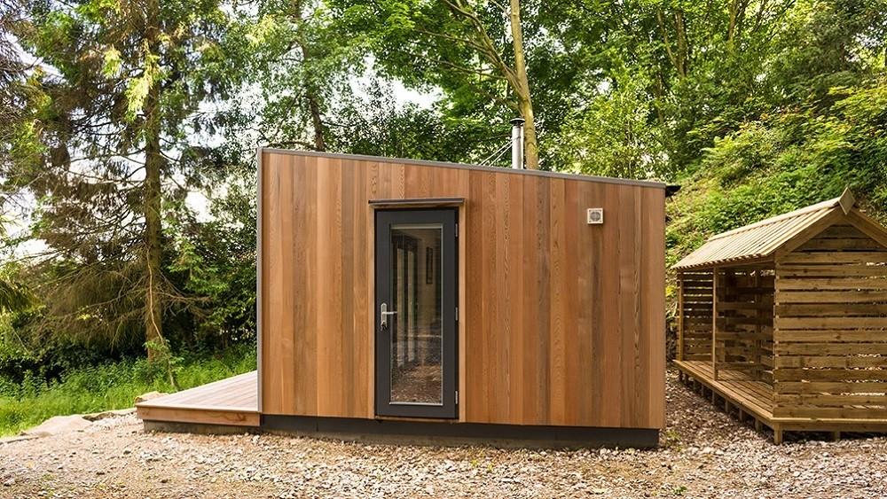 Cuberno garden room- cladding detail with a single entrance door