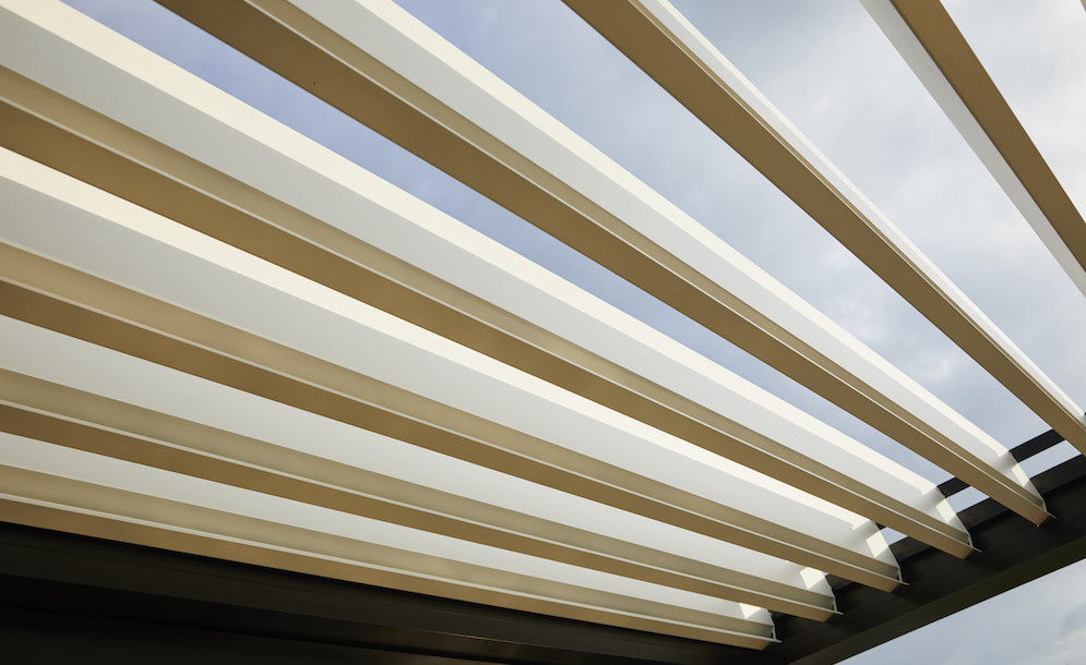 electrical louvred pavilion's blades