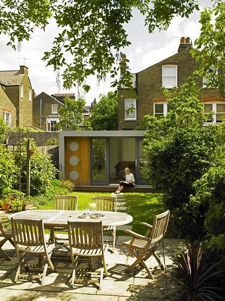 A Cuberno garden room in a Battersea garden