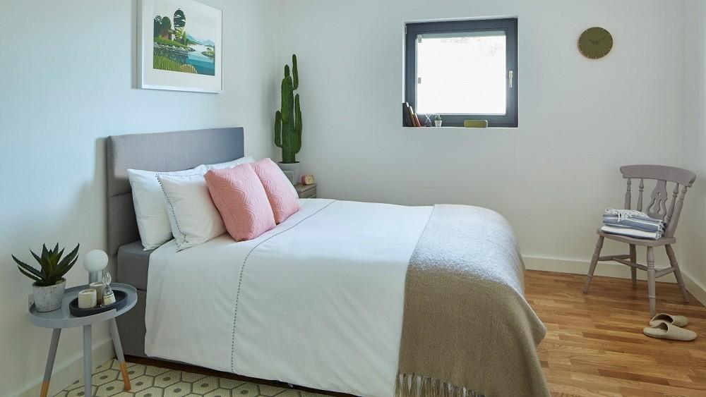 Garden annexe bedroom