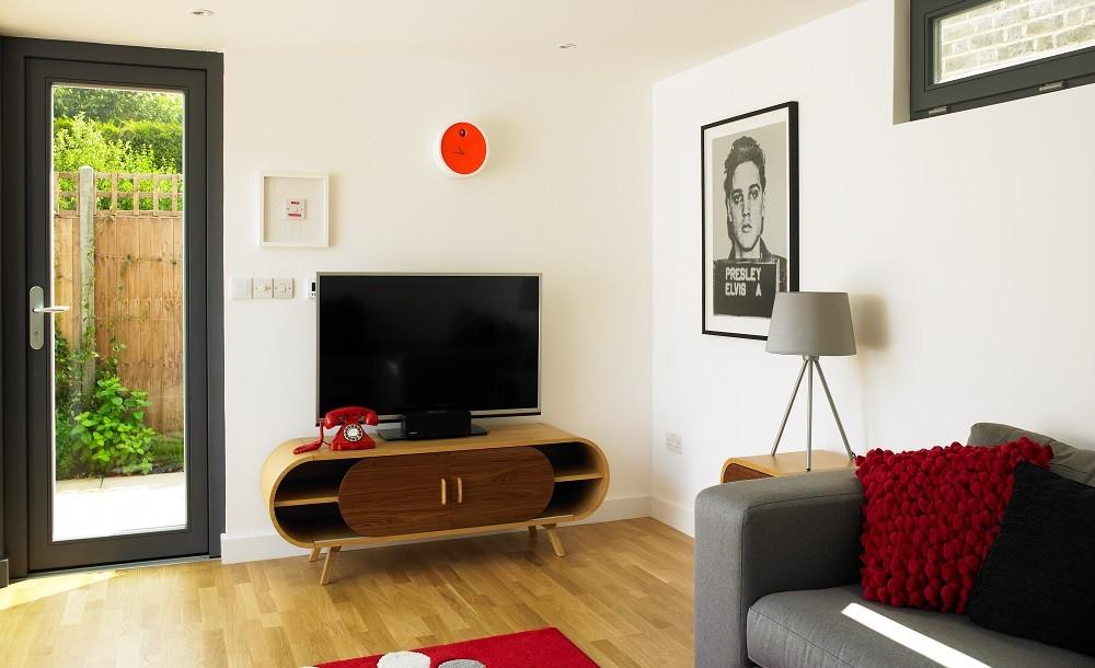 Garden room with TV area