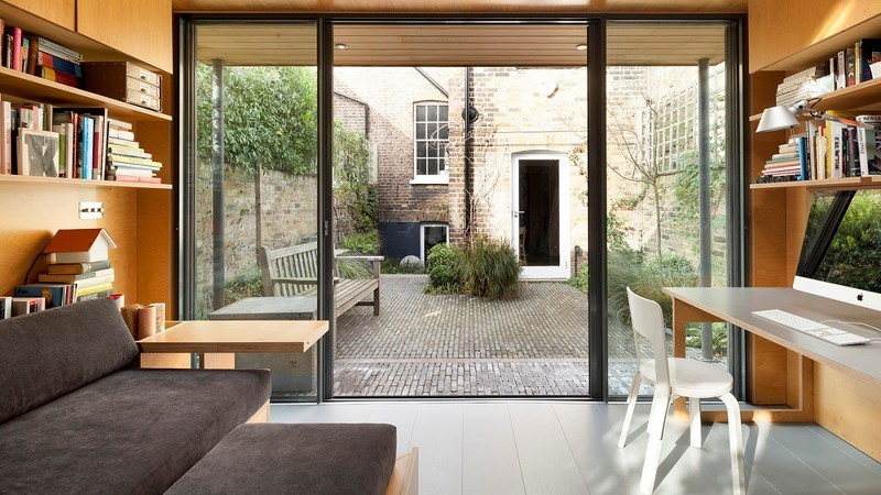 Bespoke outdoor office in a Barnsbury urban garden