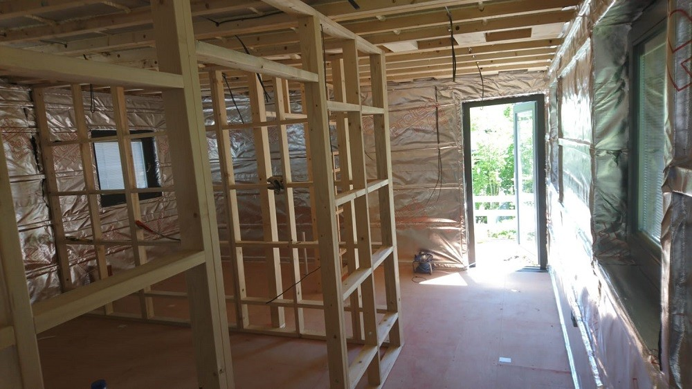 Construction of garden rooms' walls by Rooms Outdoor