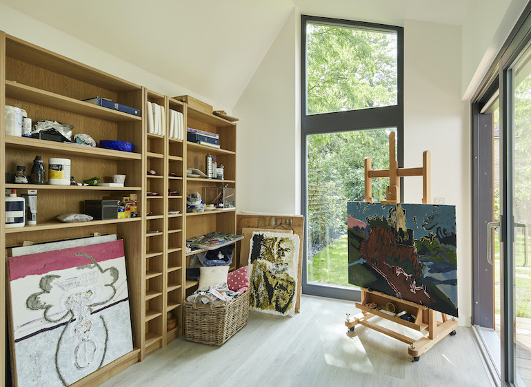 Bespoke artist outdoor studio in Wimbledon