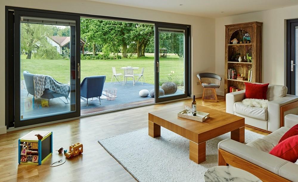 Bespoke garden annexe in Kent with livingroom and outdoor area