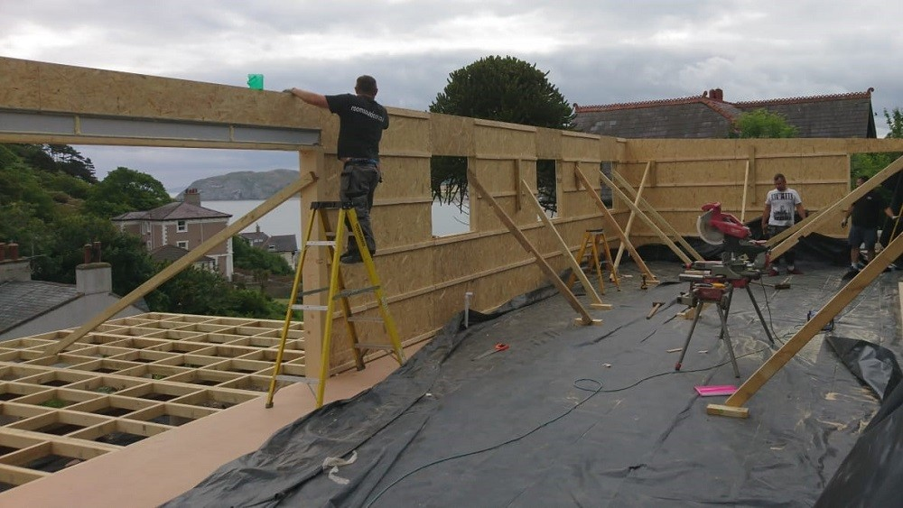 Structural insulated wall panels for a garden studio