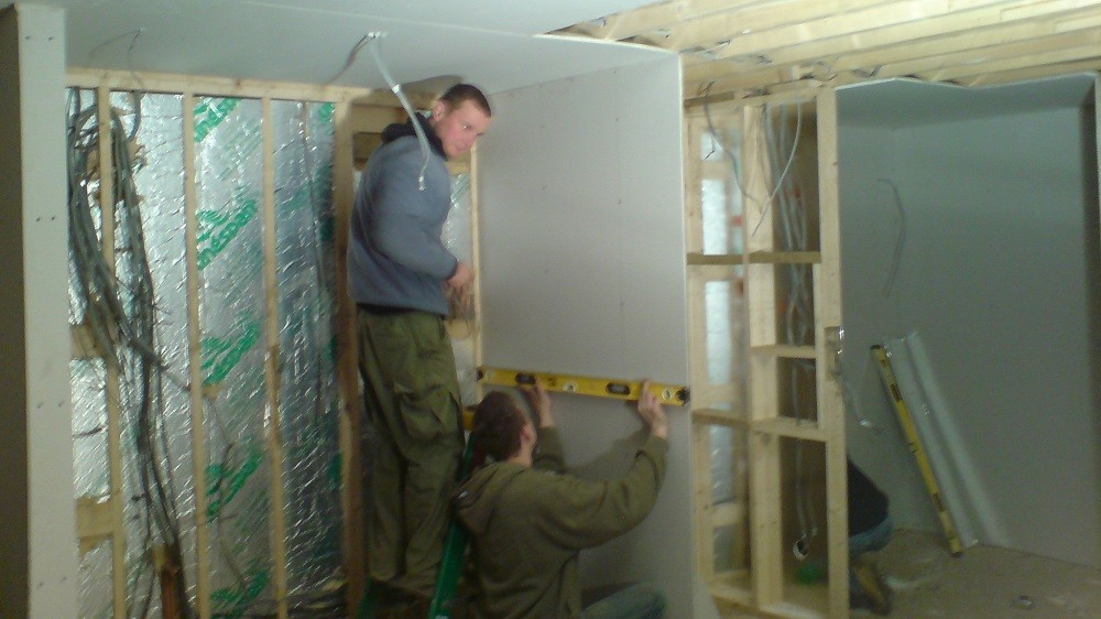 Garden rooms' internal walls construction