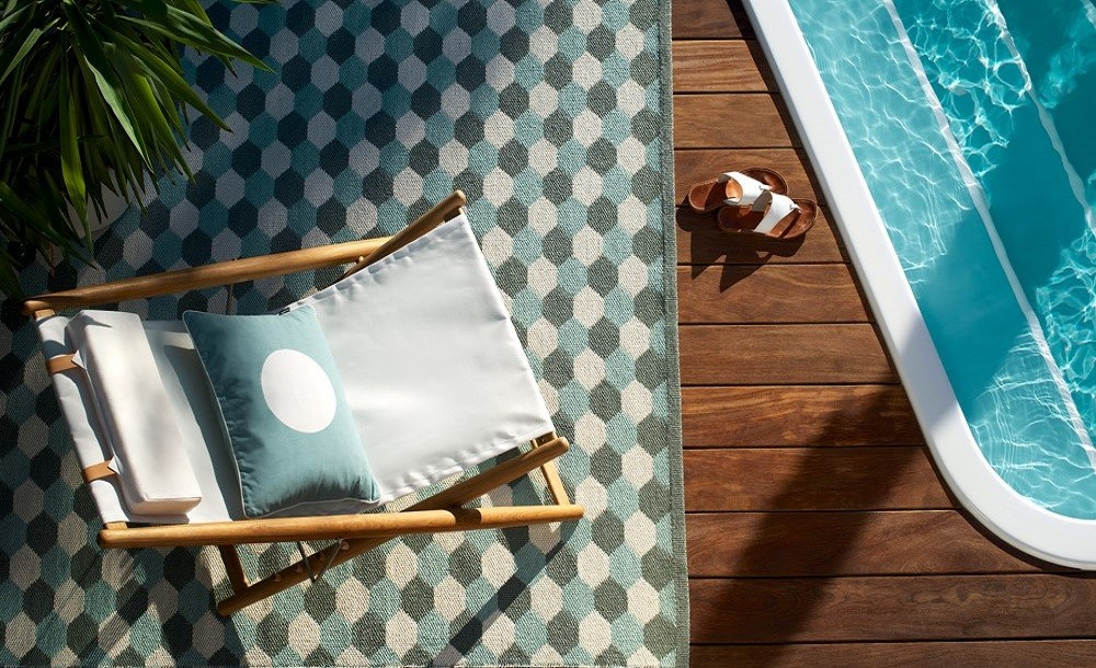 Waterproof outdoor rug ideal for swimmingpools