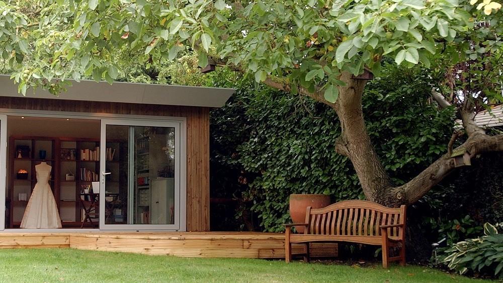 Creative garden studio by Rooms Outdoor