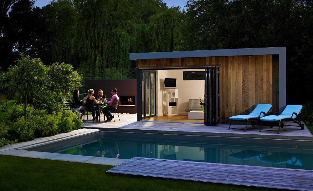 Marlow poolside garden studio and swimmingpool