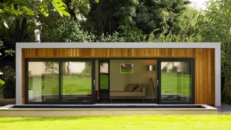 Cuberno garden room with aluminium frame and sliding doors