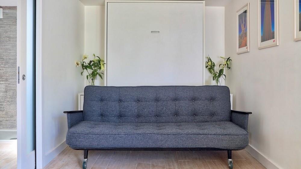 Garden annexe with sofa bed