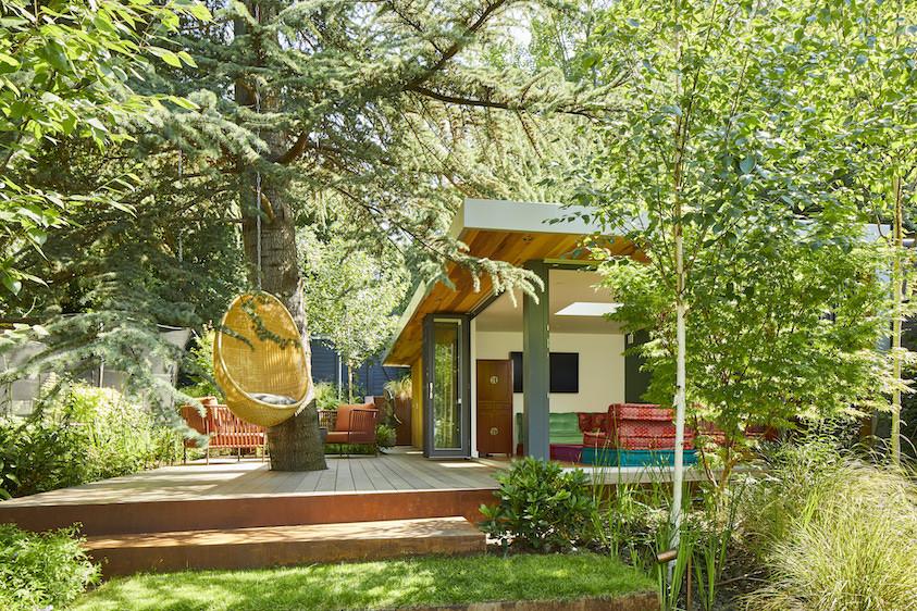 Artist garden room with outdoor patio