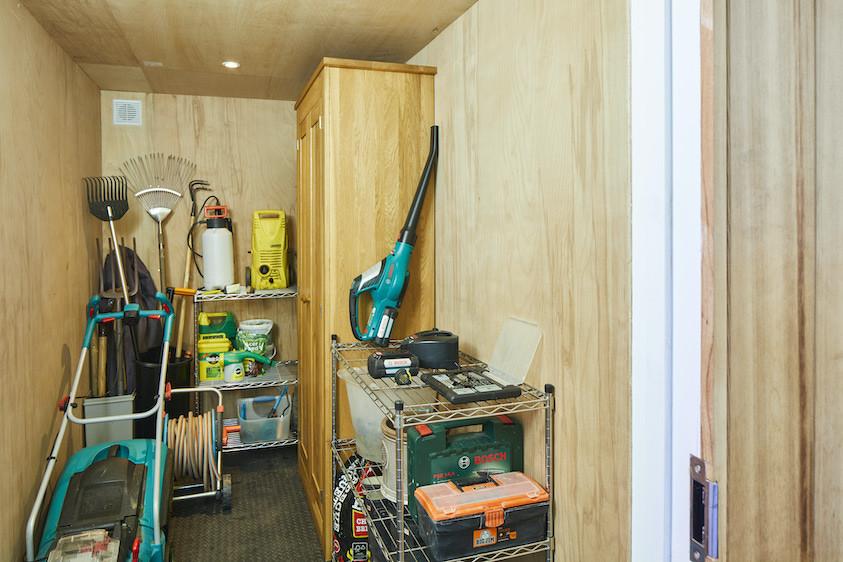 Garden room storage with OSB walls